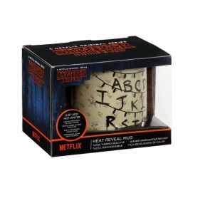 Stranger Things Taza sensitiva al calor Alphabet